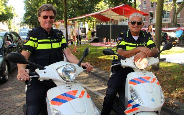 Rijswijkse wijkagenten op de scooter