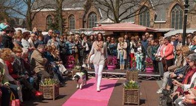 Jaarlijkse modeshow in Oud Rijswijk